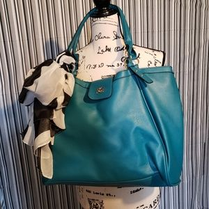 NWOT Beautiful Teal Large Over the Shoulder Bag
